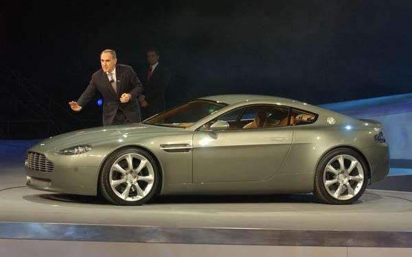Фото Aston Martin AMV8 Vantage Concept