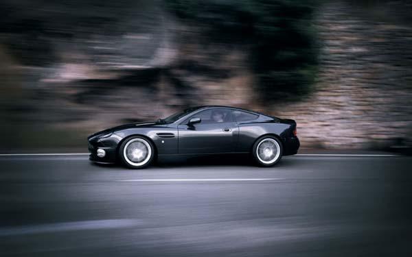 Aston Martin V12 Vanquish S 2004-2008