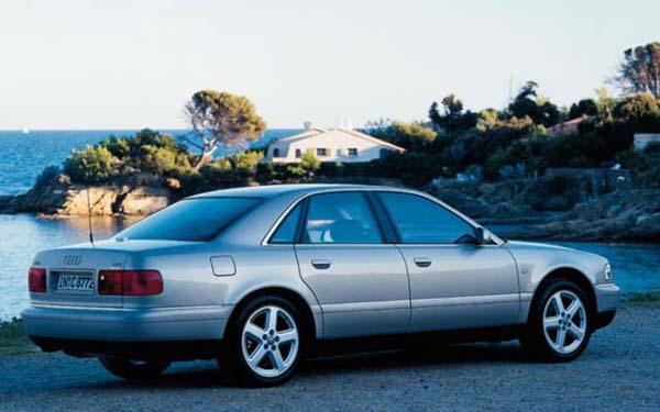 Фото Audi A8  (1994-2002)