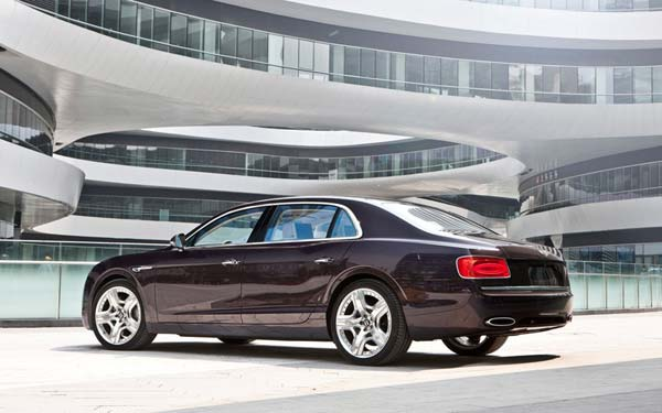 Bentley Continental Flying Spur (2013-2019) Фото #12