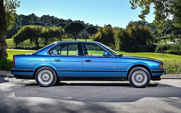 BMW 5-series Touring (2000-2003) Фото #10