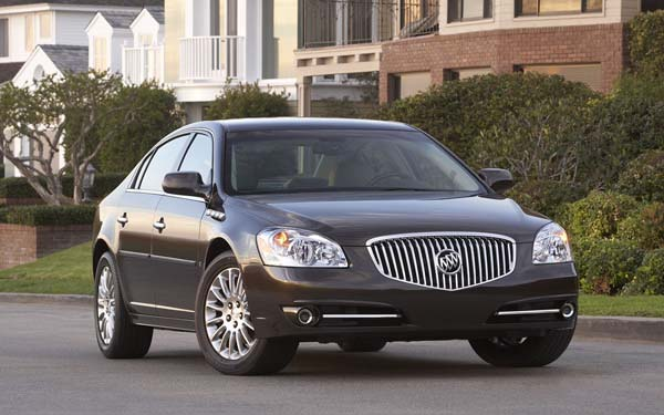 Buick Lucerne (2008...) Фото #1