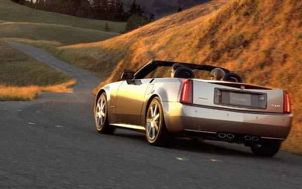 Фото Cadillac XLR