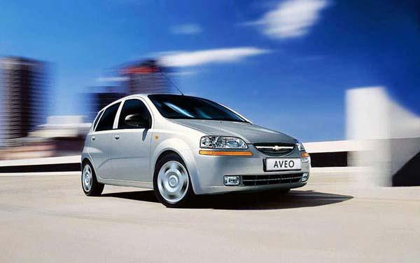 Фото Chevrolet Aveo  (2004-2007)