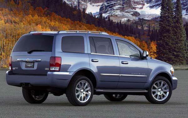 Фото Chrysler Aspen