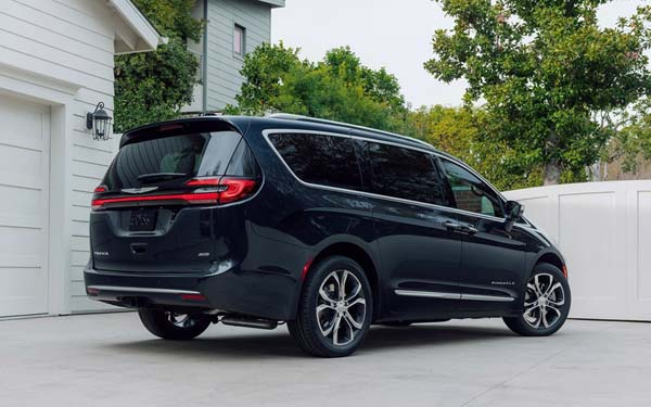 Chrysler Pacifica (2020...) Фото #52