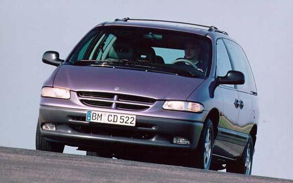 Фото Chrysler Voyager  (1995-2000)