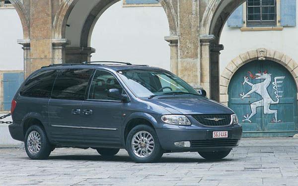 Фото Chrysler Voyager  (2001-2007)