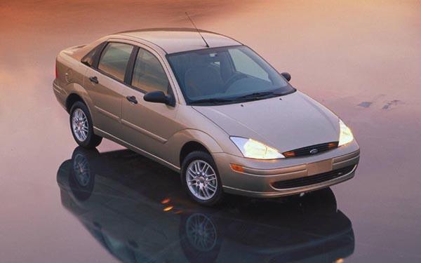 Фото Ford Focus Sedan  (1998-2005)