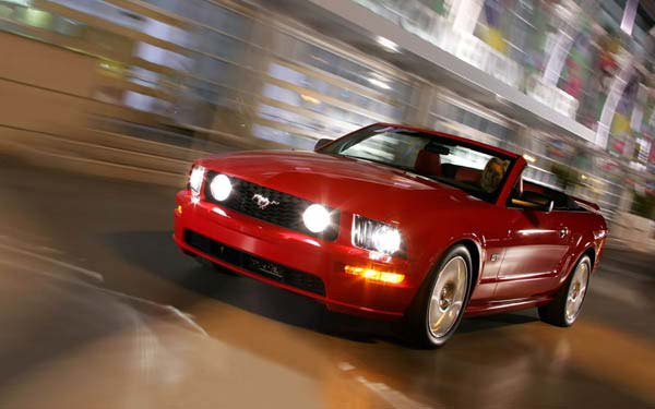 Ford Mustang Convertible 2004-2010