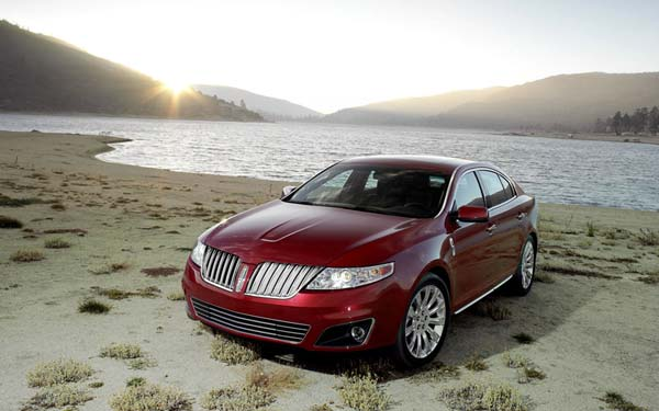 Lincoln MKS (2009-2012) Фото #1