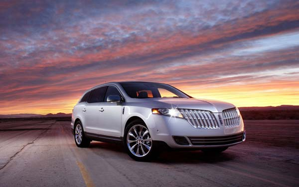 Lincoln MKT (2009...) Фото #1