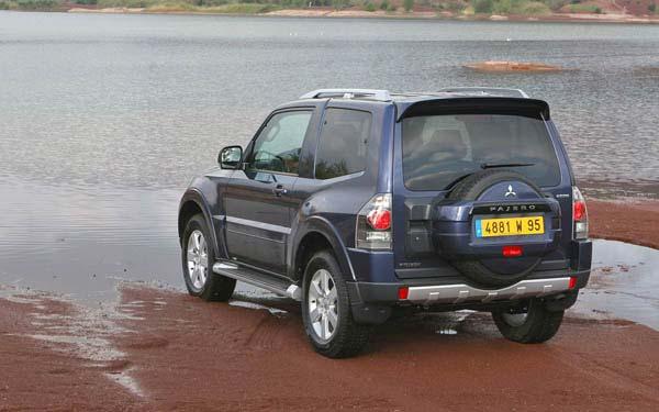 Mitsubishi Pajero 3-Door 2006-2011