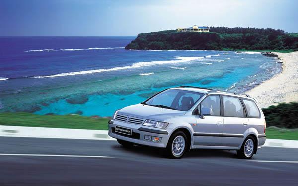 Mitsubishi Space Wagon 2001-2003