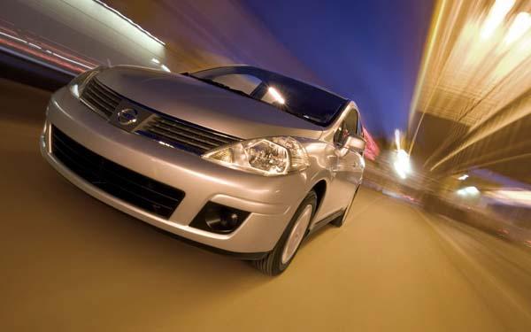 Nissan Tiida Sedan 2007-2014