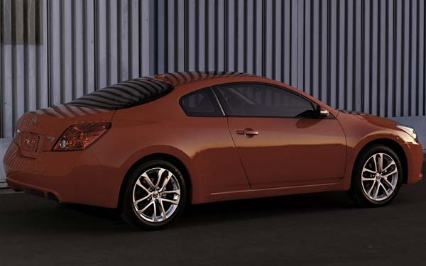 Nissan Altima Coupe 2010-2012