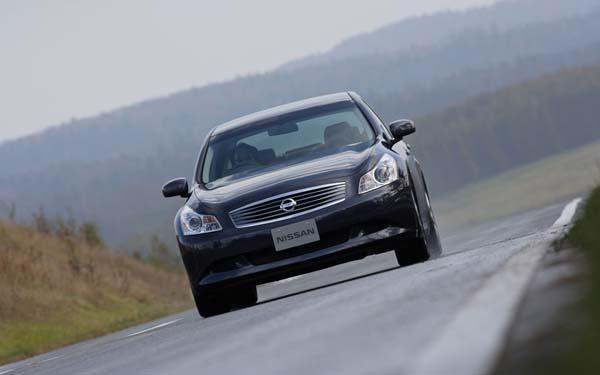 Фото Nissan Skyline