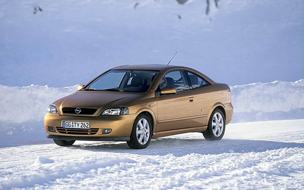 Фото Opel Astra Coupe  (2000-2005)