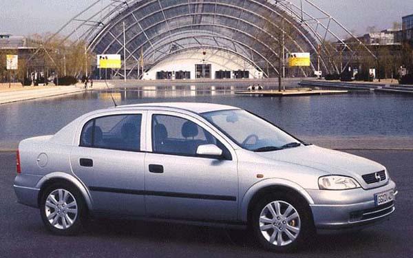 Opel Astra Sedan 1998-2005