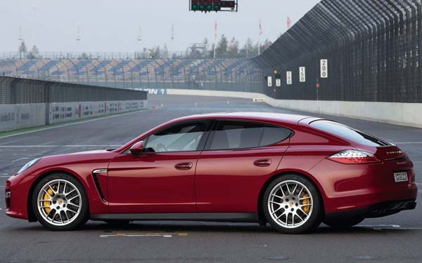 Porsche Panamera GTS 2011-2013