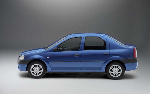 Фото Renault Logan  (2004-2009)