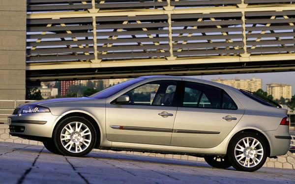 Фото Renault Laguna  (2001-2005)