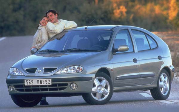 Фото Renault Megane  (1999-2002)
