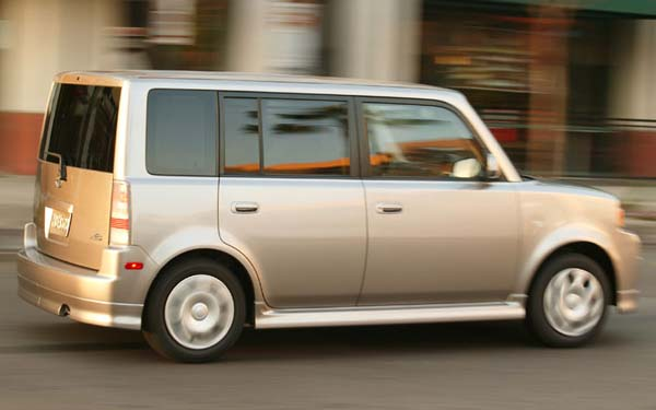 Scion xB (2003-2007) Фото #2
