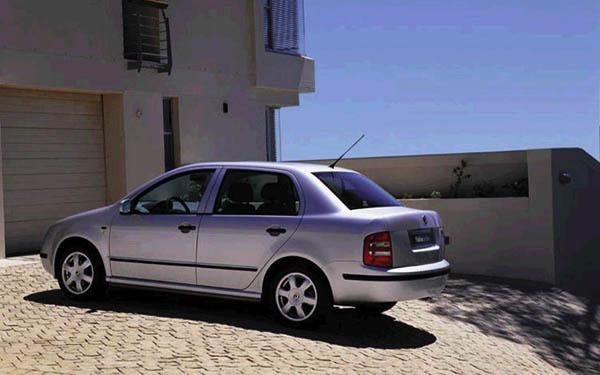 Фото Skoda Fabia Sedan  (2001-2007)