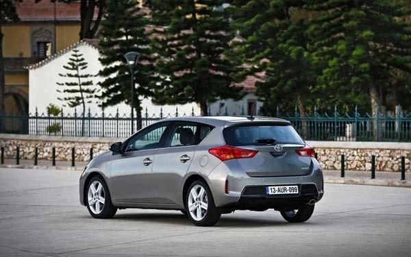 Toyota Auris 2012-2015