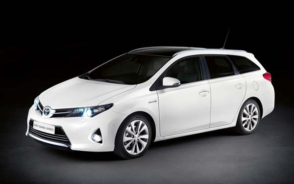 Toyota Auris Touring Sports 2013-2015