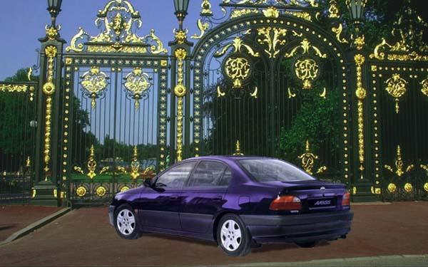 Toyota Avensis 1997-2000