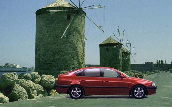 Toyota Avensis Liftback 2000-2002