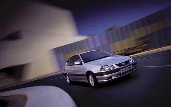Toyota Avensis 2000-2002