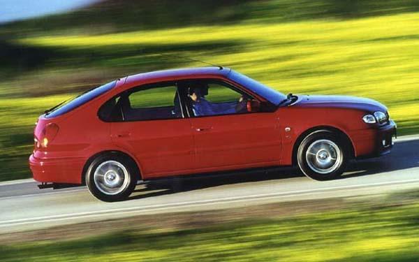 Фото Toyota Corolla Liftback  (2000-2001)