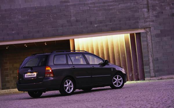 Фото Toyota Corolla Wagon  (2002-2004)