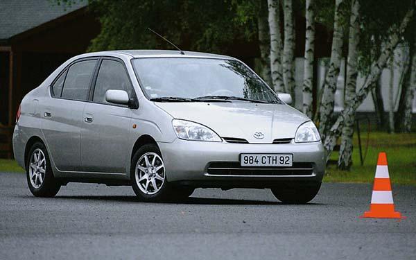 Фото Toyota Prius  (1997-2003)