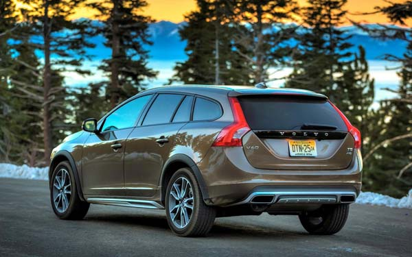 Volvo V60 Cross Country (2015-2018) Фото #42