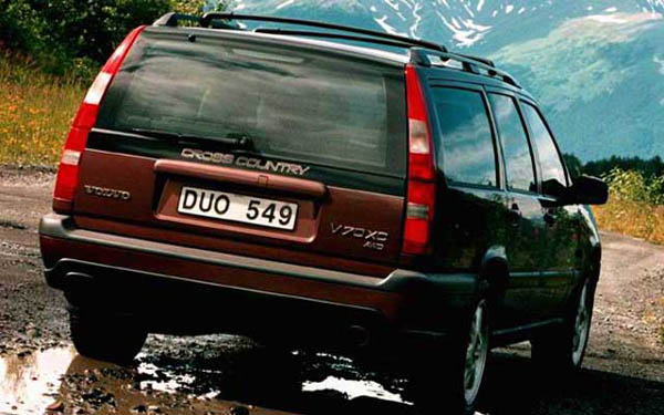 Фото Volvo V70 XC AWD  (1997-1999)