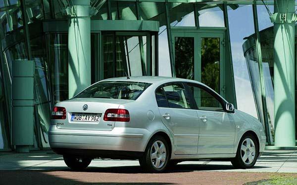Фото Volkswagen Polo Classic  (2002-2005)