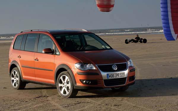 Фото Volkswagen CrossTouran  (2007-2010)