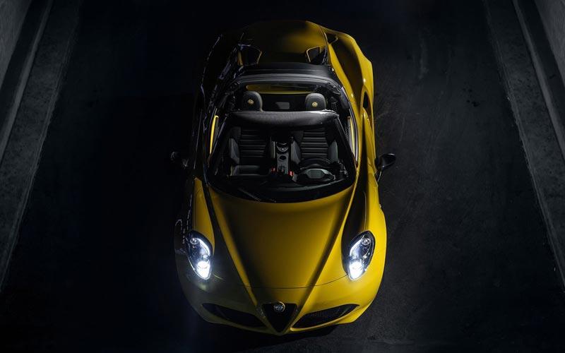 Фото Alfa Romeo 4C Spider
