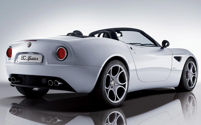 Фото Alfa Romeo 8C Spider