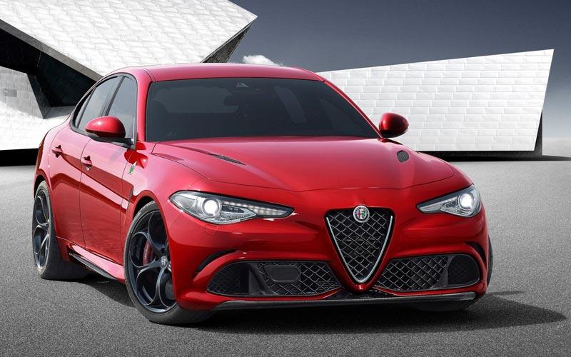 Фото Alfa Romeo Giulia Quadrifoglio