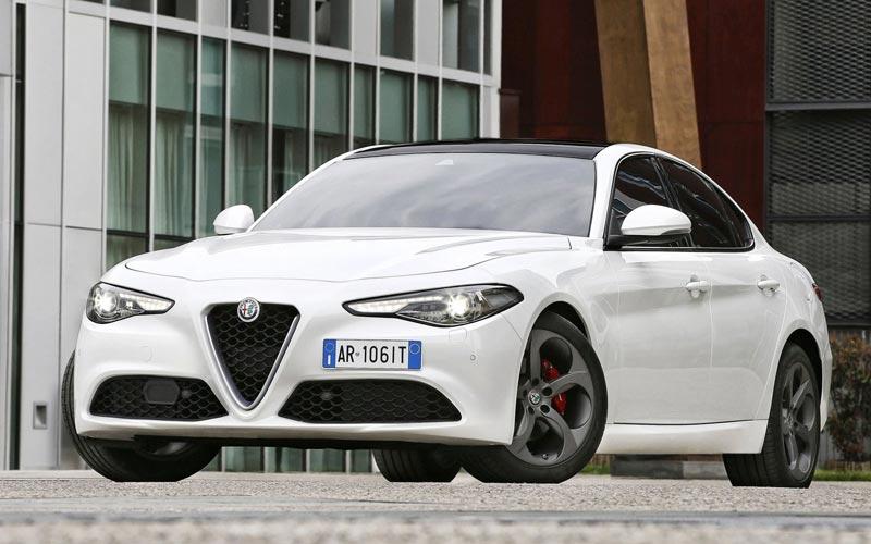 Фото Alfa Romeo Giulia