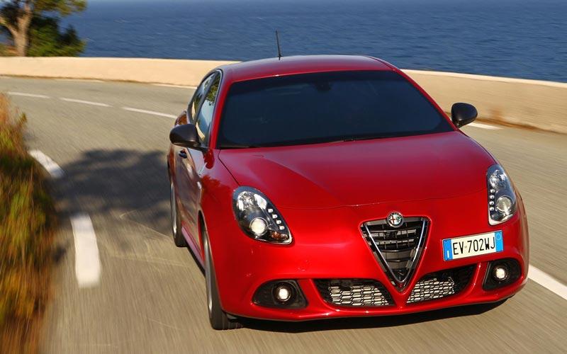 Фото Alfa Romeo Giulietta Quadrifoglio Verde