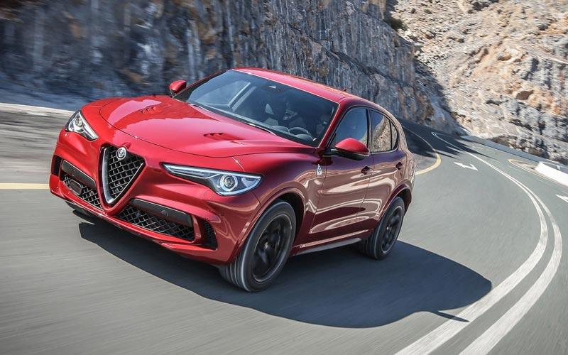 Фото Alfa Romeo Stelvio Quadrifoglio