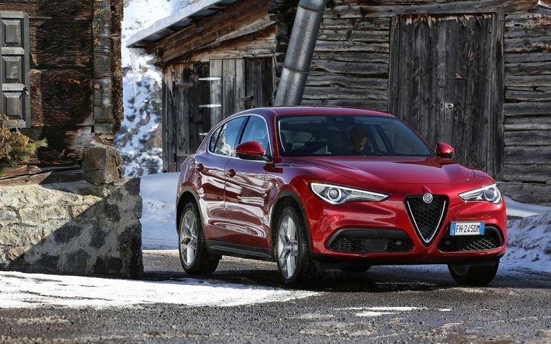 Фото Alfa Romeo Stelvio