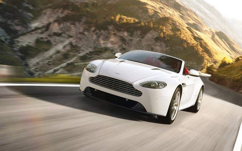 Фото Aston Martin V8 Vantage Roadster