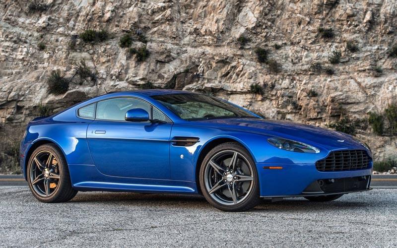 Фото Aston Martin Vantage GTS